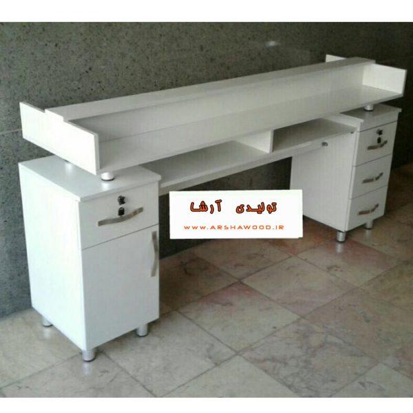 عکس میز ناخن کاری دو نفره چوبی