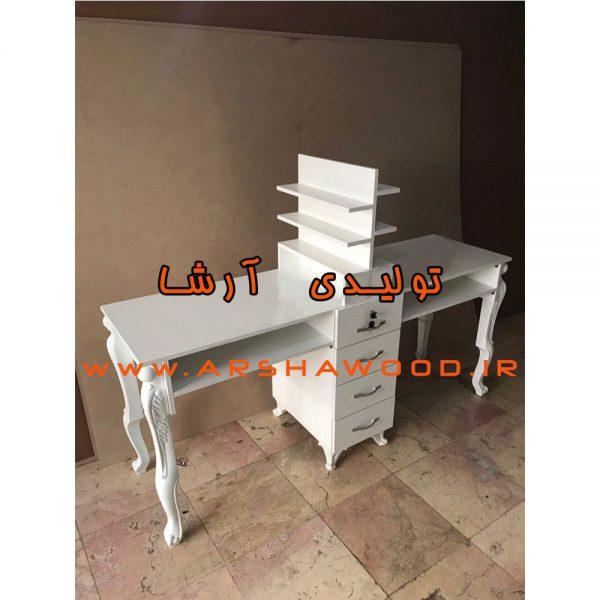 عکس میز ناخن دو نفره چوبی